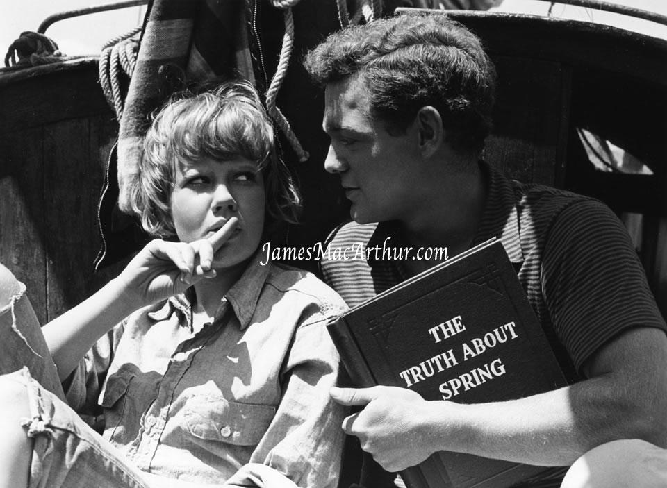 Olivia Newton-John and Cliff Richard - Suddenly